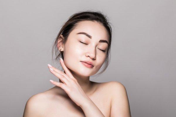 Mau Wajah Lebih Cerah? Gunakan 4 Rekomendasi Kosmetik Glow & Lovely untuk Atasi Masalah Kulit Wajah (2021)