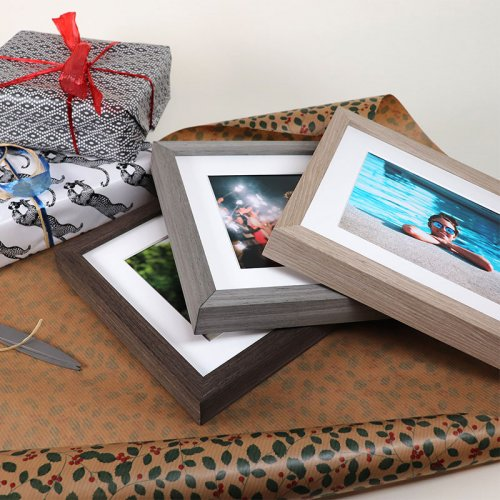 Are You Looking for the Perfect Photo Frame to Gift? Here are Top 10 Photo Frames Plus Tips To Find The Right One