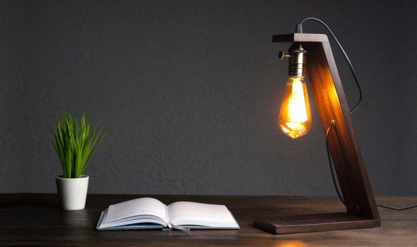 10 Rekomendasi Lampu Belajar Kayu yang Bikin Ruang Belajar Makin Estetik (2021)