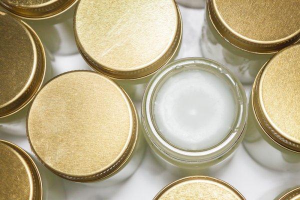 9 Produk Vaseline yang Bisa Membuat Kulit Sehat Berseri
