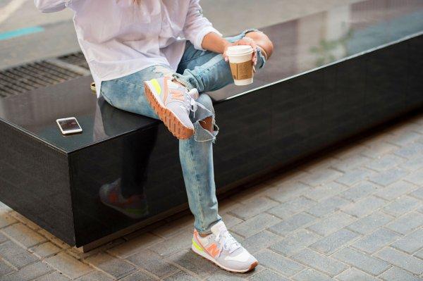 Tak Hanya untuk Berlari, Ini 10 Rekomendasi Sepatu New Balance Terbaru Favorit Anak Milenial (2019)