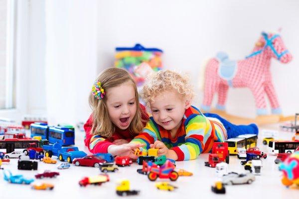 Bantu Anak untuk Tumbuh dan Berkembang dengan 10 Mainan Bermanfaat Ini