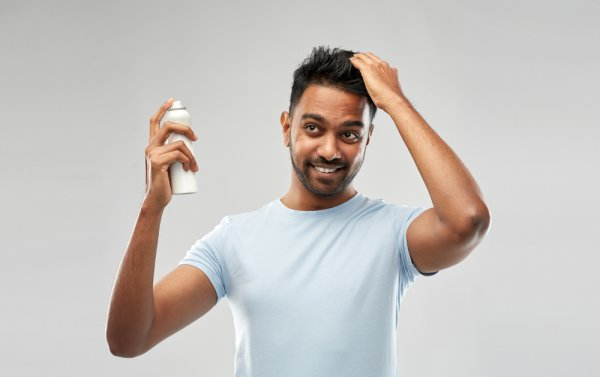 Now Here's a Haircare Product for Men That Can Suit Their On-The-Go Lifestyle: Best Dry Shampoos for Men Available in India (2020)