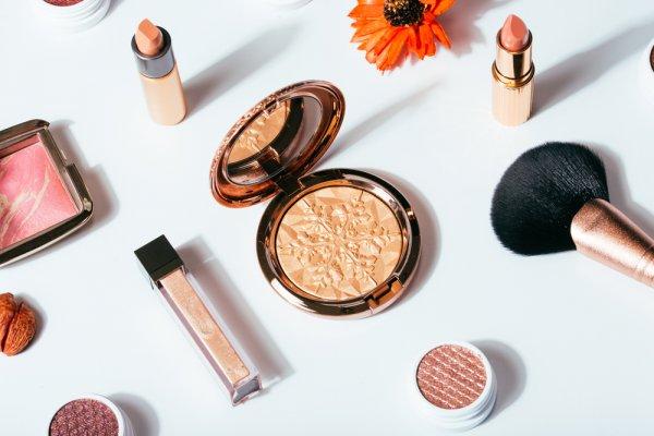 9 Rekomendasi Merek Makeup Mahal yang Membuat Wajah Tampak Mempesona, Mau Coba?