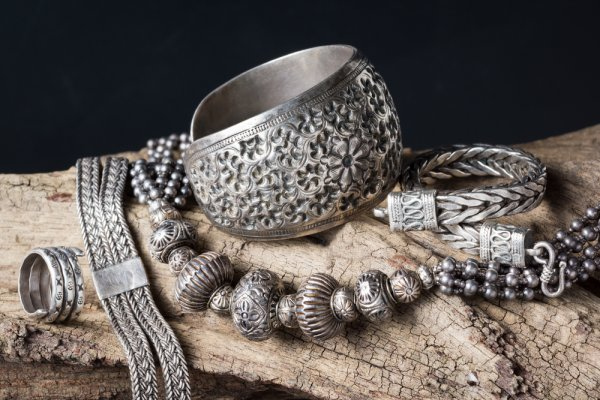 Looking for an Elegant and Affordable Gift in Silver? Here are 12 Recommended Silver Gifts Below 500 to Give in 2019