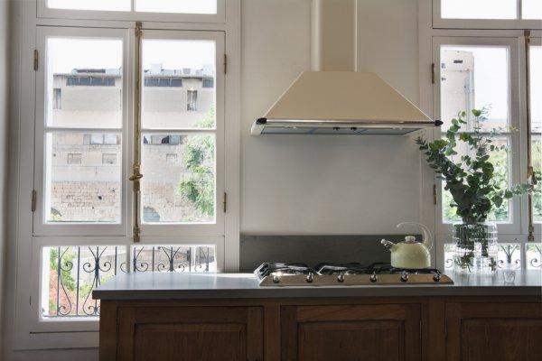 Dapur Bebas dari Bau Menyengat dengan 10 Rekomendasi Cooker Hood Modena yang Nyaman Digunakan (2020)