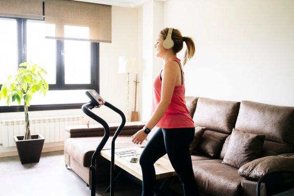 Olahraga di Rumah Saja dengan 10 Rekomendasi Treadmill Murah berikut (2021)