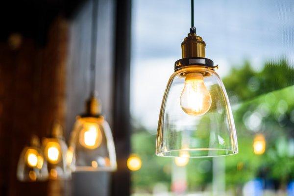 Ingin Ruangan yang Bercahaya dan Lebih Indah? Ini 10 Rekomendasi Lampu Pendant Terbaik 2019