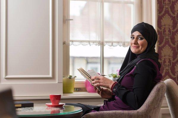 Ini Dia 9 Item Fashion Wanita Gemuk Wajib Punya untuk Muslimah Berhijab yang Tetap Ingin Tampil Cantik