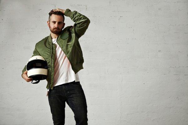 Makin Keren dan Cool dengan Rekomendasi 10+ Jaket Bomber yang Trendi untuk Pria dan Wanita