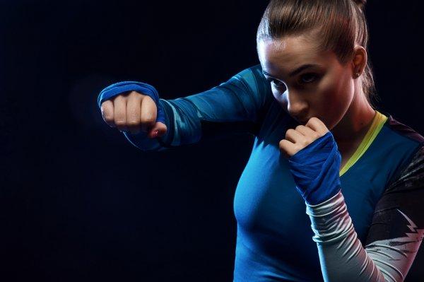 7 Rekomendasi Celana Muay Thai Keren untuk Menunjang Olahraga Kamu (2019)