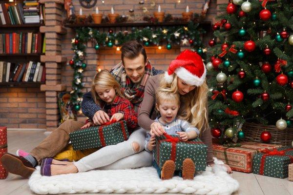 Semarakkan Kebersamaan Natal dengan 12+ Rekomendasi Barang Terbaik untuk Keluarga