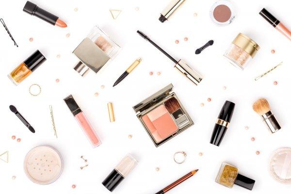 Baru Belajar Makeup? Cobalah 10 Rekomendasi Produk Revlon yang Cocok untuk Pemula