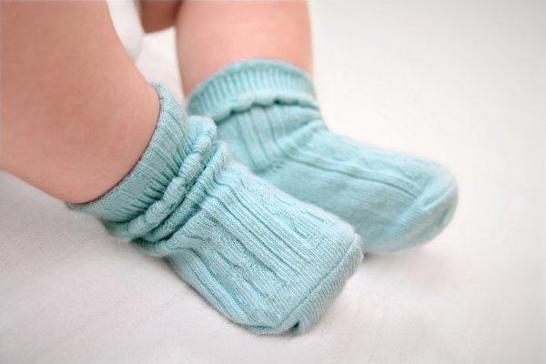 Hangatkan Si Kecil dengan 10+ Pilihan Kaos Kaki Bayi yang Lucu dan Menarik