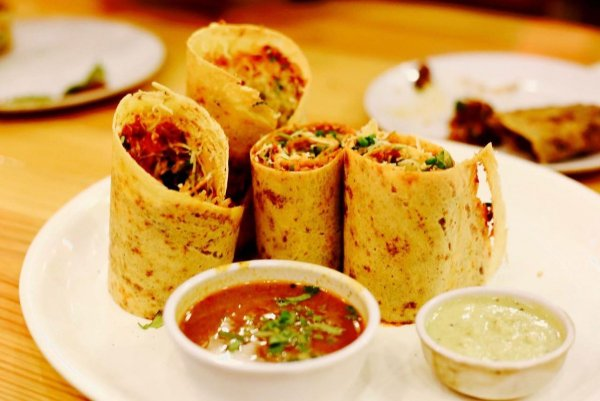 There is No Love as Sincerer as the Love of Food: 10 Places You Need to Visit to Have the Best of Food in Mumbai (2019)