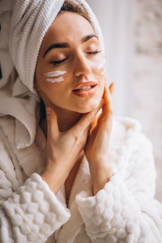 10 of the Best Face Creams for Extremely Dry Skin That Deeply Nourish Your Skin, Plus Tips on Picking the Right Moisturizer (2020)
