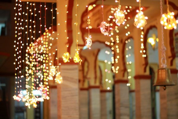 Have You Ever Thought of Creating Your Decorations and Adding Your Personality to Your Home(2020)? DIY Diwali Decoration Ideas and Crafts that You can Indulge in and Create Interesting Decor Items for Your Home This Diwali.