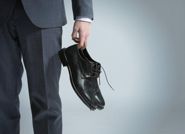 Ingin Tampil Menarik dengan Biaya Hemat? Ini 10 Rekomendasi Sepatu Pria Murah yang Pas untuk Gaya Anda (2020)