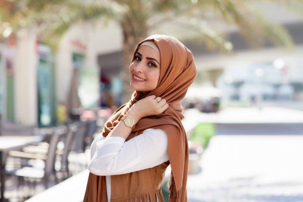 Sudah Mantap Mengenakan Hijab? Yuk, Cek 10 Brand Fashion Muslimah yang Trendi Namun Tetap Syar'i (2020)