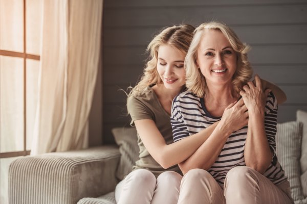 Want To Make Your Mom Happy On Her Birthday These Gift Ideas For From Daughter