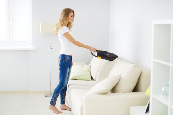Clean Those Areas in Your Home Efficiently Where You Can't Reach with Anything Else: Best Handheld Vacuum Cleaners Available in India (2020)