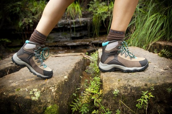7 Sepatu Consina yang Cocok untuk Kamu yang Suka Hiking