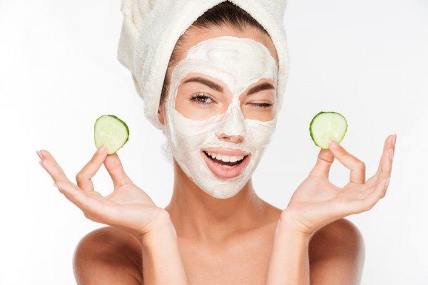 7 Rekomendasi Masker Everwhite untuk Bikin Wajah Makin Sehat (2021)