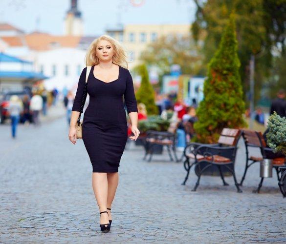 Cantik Dan Percaya Diri Dengan 6 Model Atasan Wanita Gemuk 2018