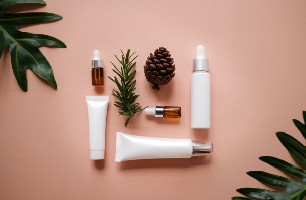 10 Rekomendasi Produk Perawatan Wajah Berjerawat Terbaik dari Sephora yang Membuat Kulit Wajahmu Menjadi Mulus