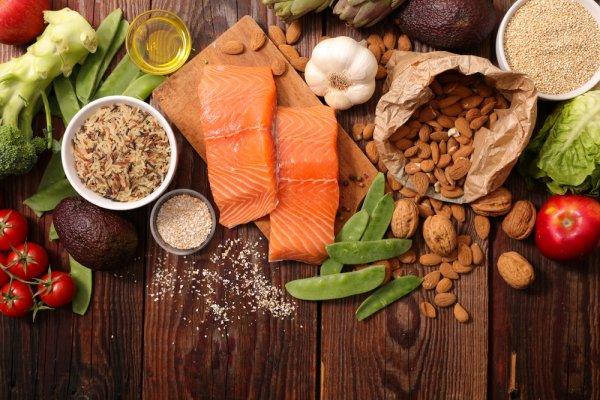 Ketahui Penyebab Hipotensi dan 10 Makanan dan Minuman untuk Darah Rendah yang Bisa Anda Konsumsi Setiap Hari