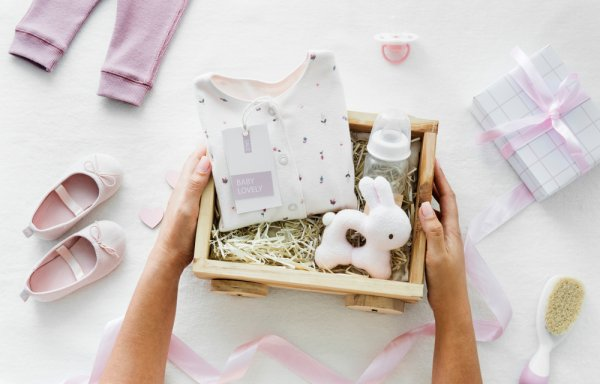 Bingung Mencari Kado Bermanfaat untuk Teman Atau Keluarga yang Baru Lahiran? Kami Ada Rekomendasinya di Sini!