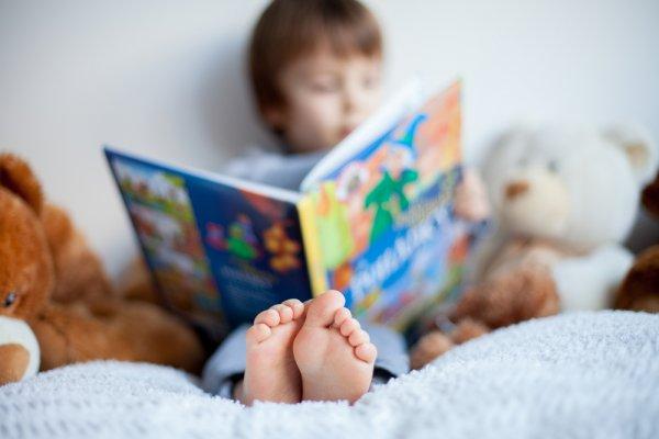 Mau Anak Anda Mahir Berbahasa Asing? 10 Rekomendasi Buku Anak Impor Ini Layak Anda Miliki untuk Meningkatkan Kemampuan Bahasa Asing Anak-anak