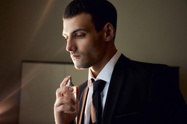 10 Rekomendasi Parfum Pria yang Memukau dan Tahan Lama dari Bellagio (2020)