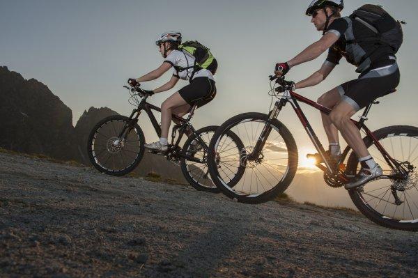 Seluk-Beluk Sepeda Trail dan 9 Pilihan Sepeda Trail untuk Anda