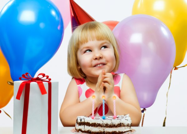 Find The Perfect Birthday Gift For A 4 Year Old Girl Pick From The Top 10