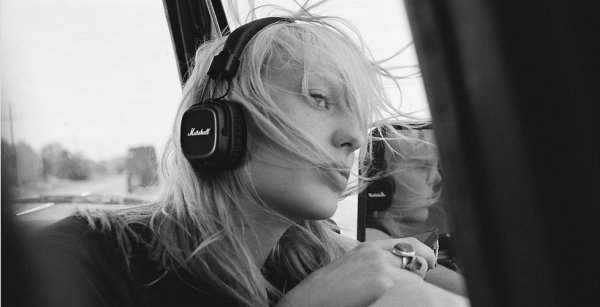 Dengarkan Alunan Musik yang Jernih dan Memukau dari 9 Headphone Marshall Pilihan