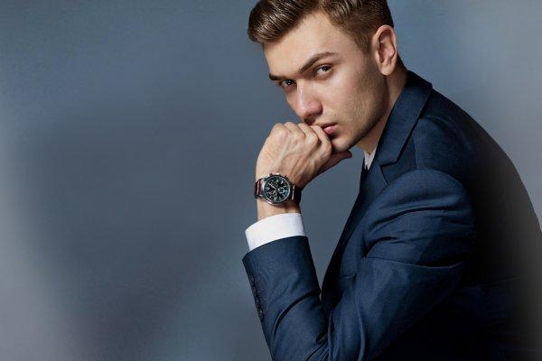 Pria Bisa Lebih Keren dengan 10 Rekomendasi Jam Tangan Pria Murah yang Fashionable Banget (2020)