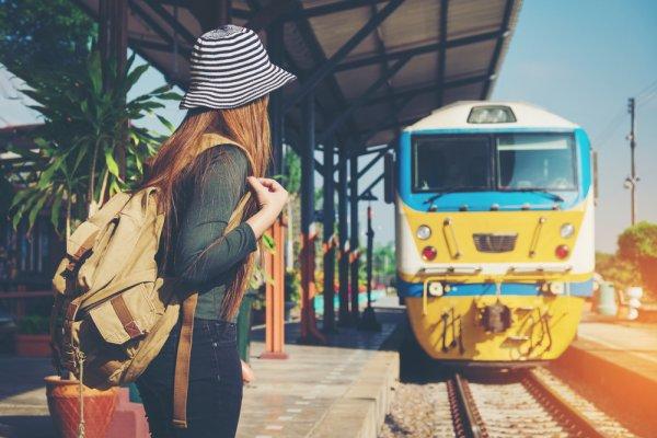 Isi Liburan dengan Keseruan dan Kenyamanan Menggunakan 7 Rekomendasi Kereta Wisata ke Berbagai Destinasi Ini