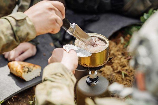 Tertarik Mencoba 11 Makanan Tentara dari Berbagai Negara Ini? Coba dan Rasakan Sensasinya