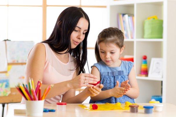 8 Inspirasi Kerajinan Tangan Kreatif dan Manfaatnya untuk Anak-anak