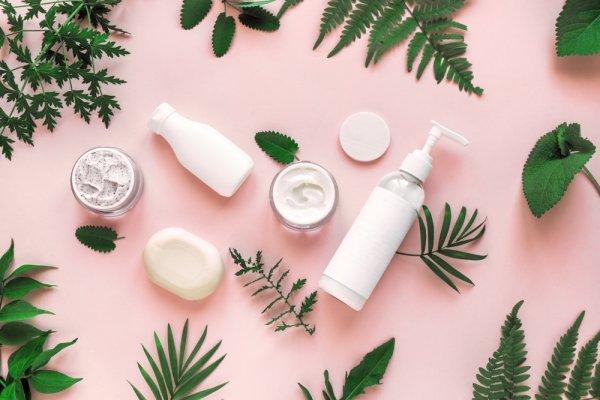10 Rekomendasi Skincare dengan Kandungan Retinol untuk Kulit Cantikmu (2021)