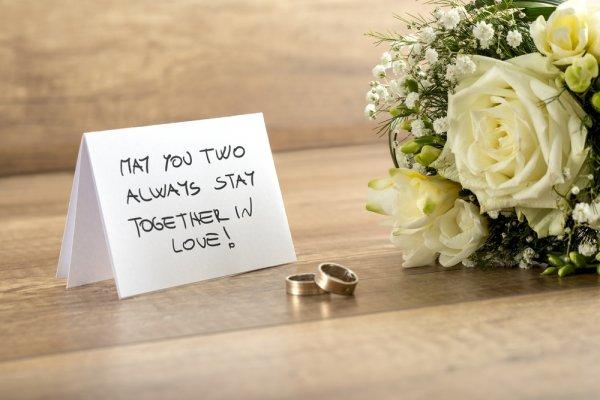 Inilah 9 Hadiah Ulang Tahun Pernikahan Untuk Orang Tua Yang Paling Pas