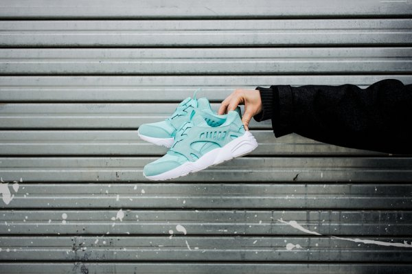 10 Rekomendasi Sneakers Murah tetapi Kece untuk Bergaya Sporty (2018)