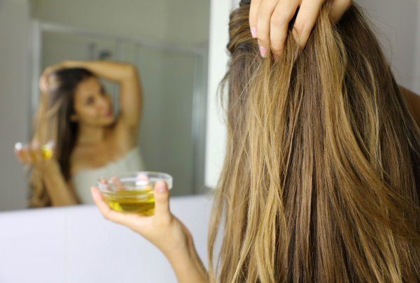 The Best Castor Oils Available for Hair Growth that Will Convince You to Switch Today (2021)!