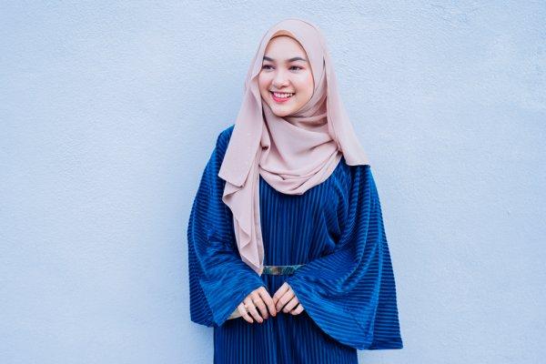 10 Merek Hijab yang Bisa Membantu Anda Tampil Lebih Modis