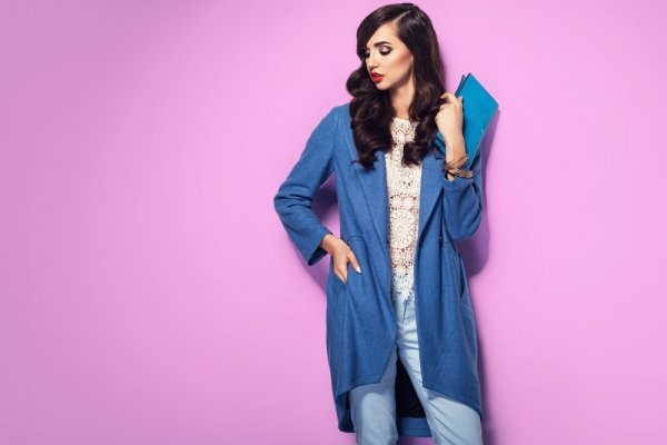 10 Rekomendasi Busana Wanita Kekinian untuk Upgrade Gaya Fashion-mu (2021)