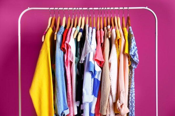 10 Rekomendasi Gantungan Baju ini Praktis Diletakkan di Dinding Agar Kamar Lebih Rapi