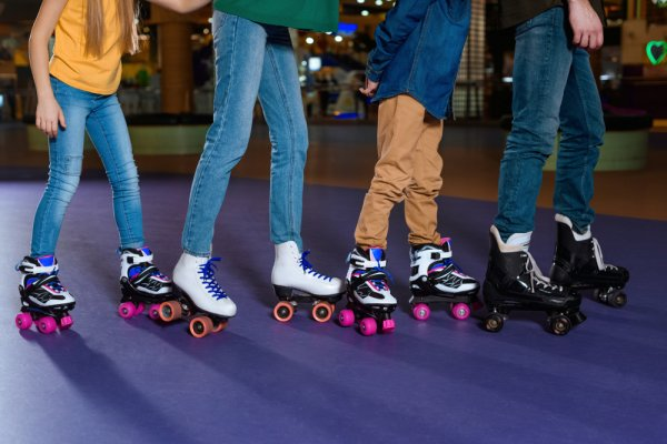 Weekend Ini, Main Sepatu Roda Yuk! Cek Rekomendasinya, Ya! (2020)