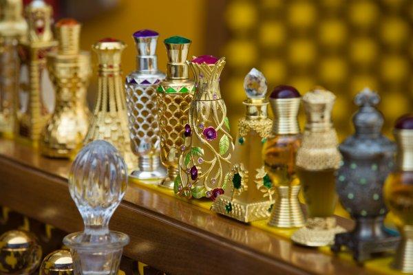 Mencari Parfum Beraroma Lembut nan Memikat? 10 Rekomendasi Parfum Arab Ini Pantas Anda Coba