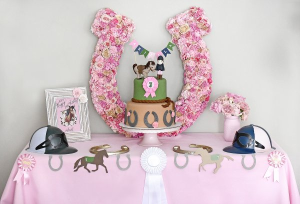Planning a Horse-Themed Party for the Hippophile in Your Family? 7 Horse Party Favours and 2 DIY Party Favours for That Personal Touch.